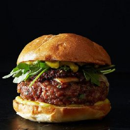 Grilled_pork_burgers_new