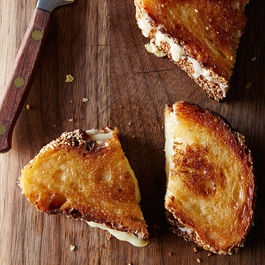 Genius-grilled-cheese_food52_mark_weinberg_14-05-13_0548