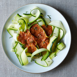 "Zucchini Marinara: A Raw ""Pasta"" for Summer"