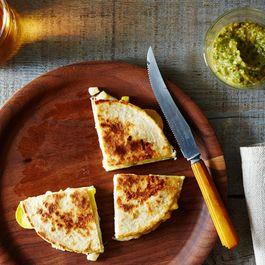 2014-0805_grilled-corn-zucchini-quesadillas-020