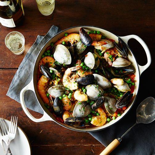 2014-0728_raposos_seafood-squid-ink-paella-base-duo_mid-013