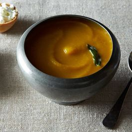 2013-1008_cp_pumpkin-beer-goat-cheese-soup-005