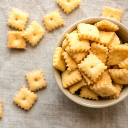 How to Make Homemade Cheez-Its