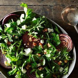 Roasted-red-onions-with-walnut-salad_food52_mark_weinberg_14-11-04_0198