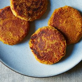 Sweet-potato-chickpea-cakes_food52_mark_weinberg_14-11-18_0405