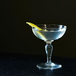 Vesper-cocktail_food52_mark_weinberg_14-11-18_0063
