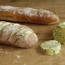 Garlic_bread_baguettes07