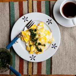 Marbelized_eggs_salsa_verde_1