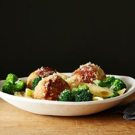 Chicken Sausage Meatball and Broccoli Pasta Bowl + Virago
