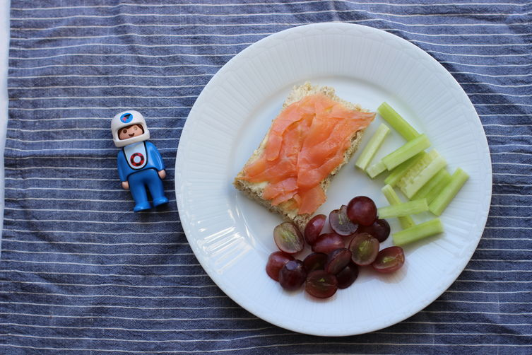 Smoked Salmon and Butter Sandwiches