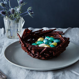 2015-0324_chocolate-covered-pretzel-easter-basket_bobbi-lin_0290