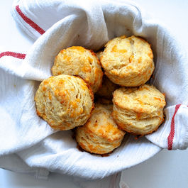 042915_garlicbiscuits4