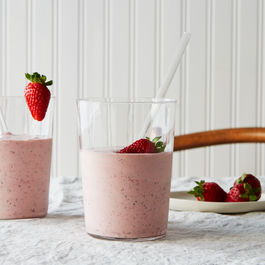 2015-0609_roasted-strawberry-milkshake_bobbi-lin_1781