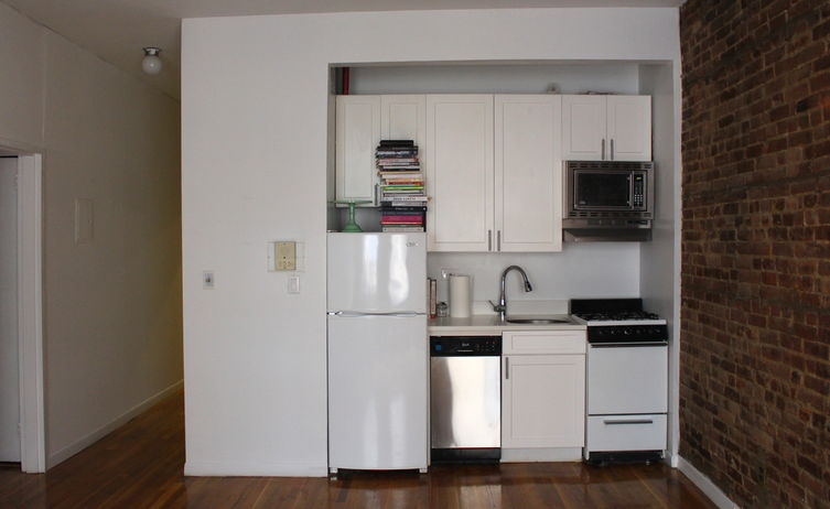 Calling All Cooks: How Should I Stock My First Kitchen?
