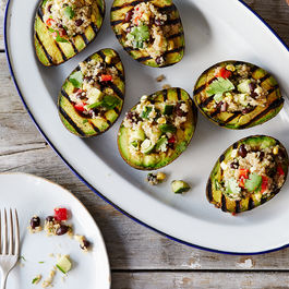 2015-0616_grilled-stuffed-avocado-halves_alpha-smoot_434