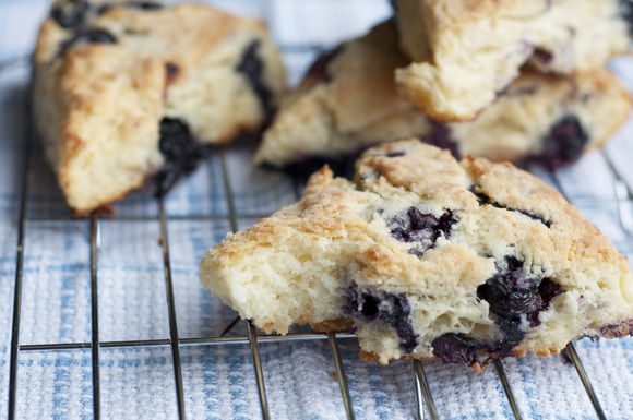 Lemon-blueberry_ricotta_scones