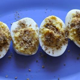Dukkah_deviled_eggs