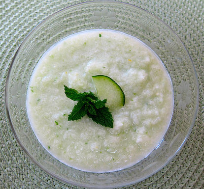 Cucumber_honeydew_soup