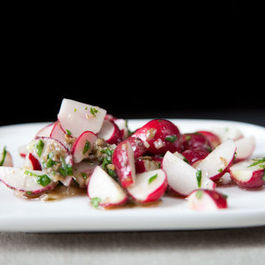 Radish_salad_with_anchovy_sauce