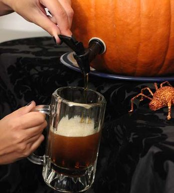 2012-09-06_klein_diy-pumpkin-keg-craft-idea-fall-party-ideas-3