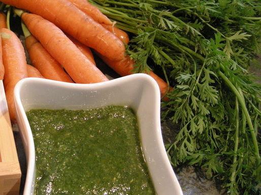 Carrot-top-pesto-2b5fe60beeea0ae89fb96c7b0ffb1615d335f157-s51