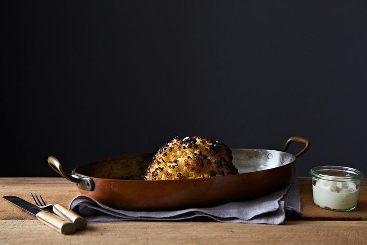 2013-1001_genius_whole-roasted-cauliflower-484