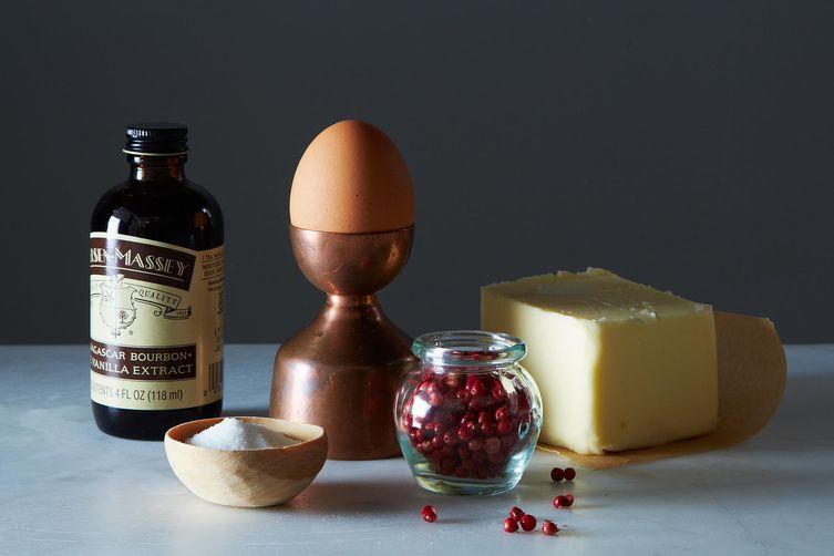 2013-1104_finalist_pink-peppercorn-buttercream-icing-006