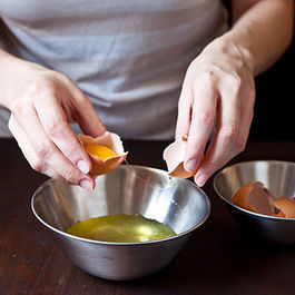 A Hands-On Trick for Separating Eggs