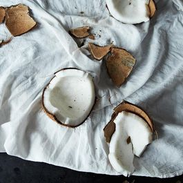 2013-1107_kc-how-to-crack-a-coconut-115
