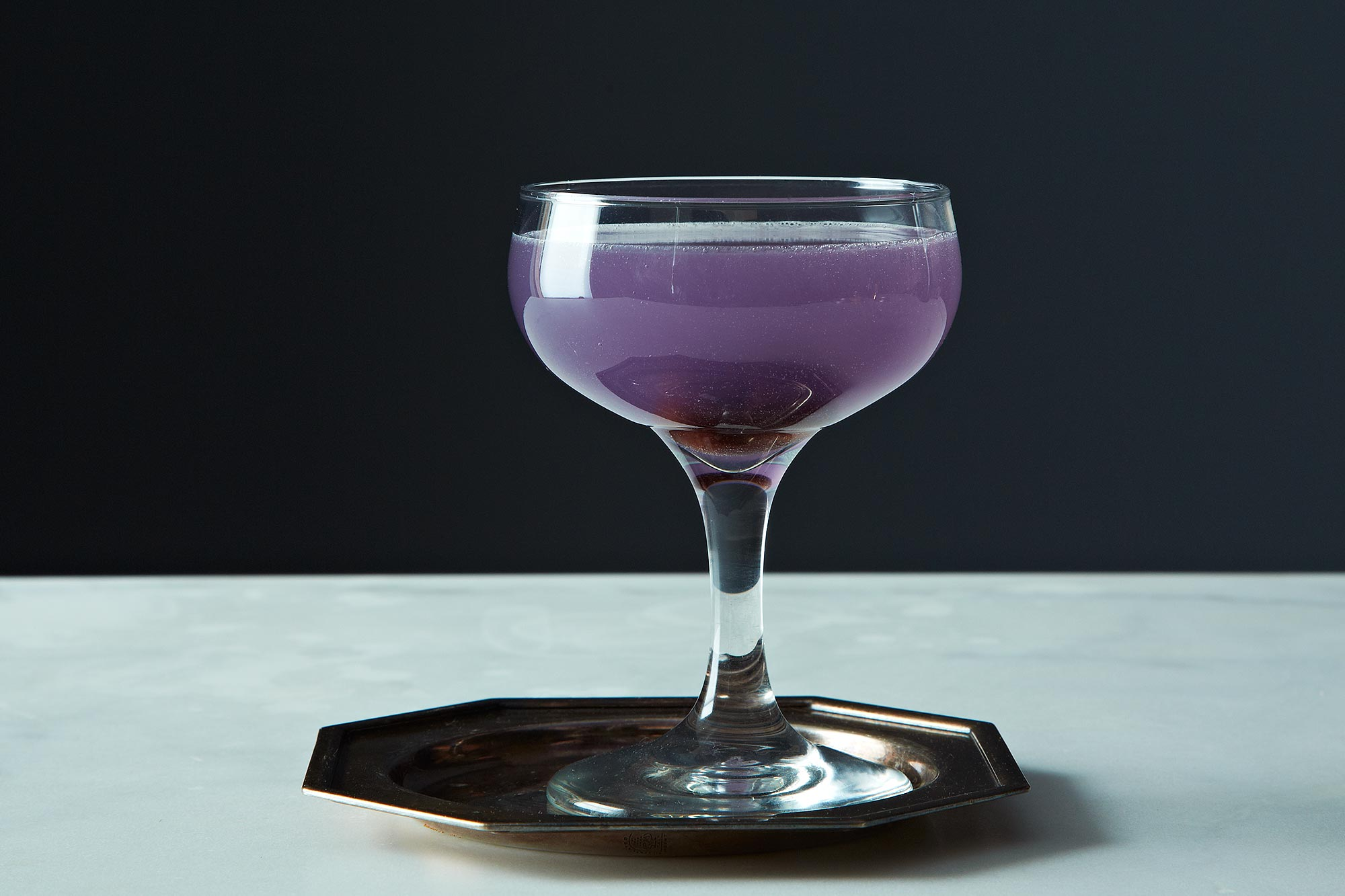 Aviation cocktail recipe dishmaps for Mixed drinks using gin