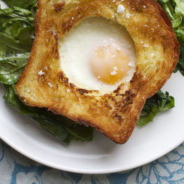 Egg_in_toast_f52