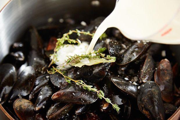 2014-0325_finalist_mussels-dijonnaise-214