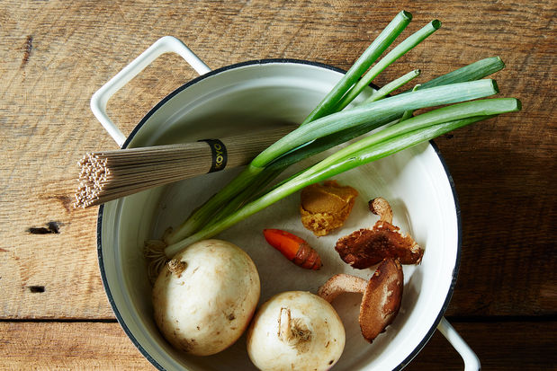 2015-0126_miso-soup-with-shiitakes-turnips-and-soba-noodles-007