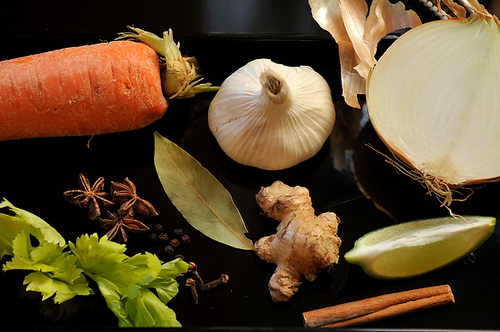 Ginger-scented chicken broth
