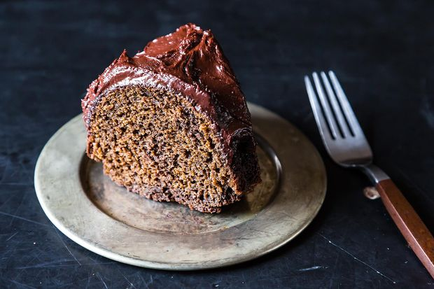 Gingerbread Beer Bundt Cake with Chocolate Glaze