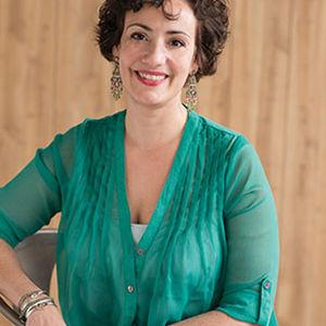 Phoebe Canakis